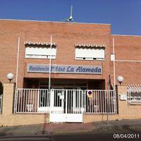 Residencia de 3 edad la alameda torres de la alameda for Residencia torres de la alameda