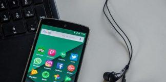 Foto de Las Apps favorecen el uso de móviles a personas mayores